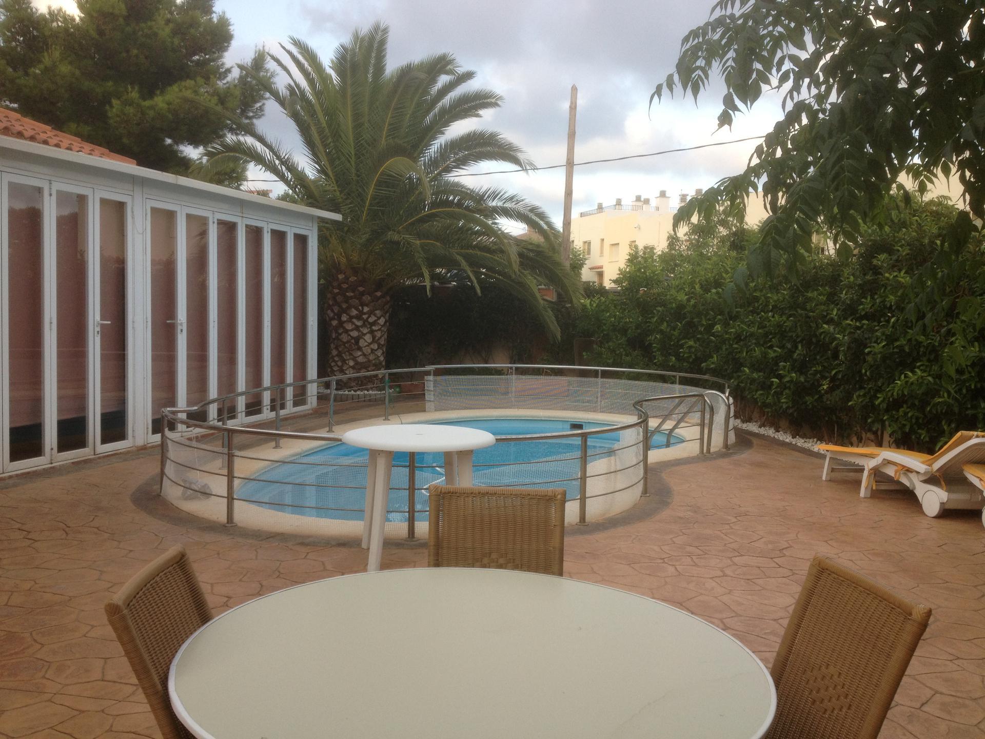 Haus -                                       Miami Playa -                                       4 Schlafzimmer -                                       0 Personen